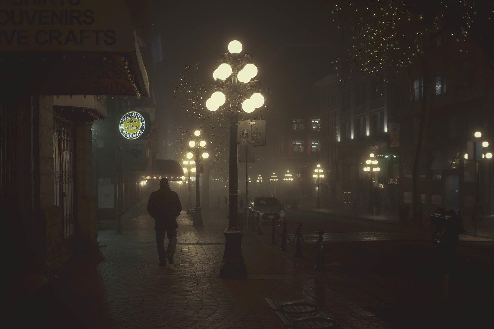 Foggy night in Gastown